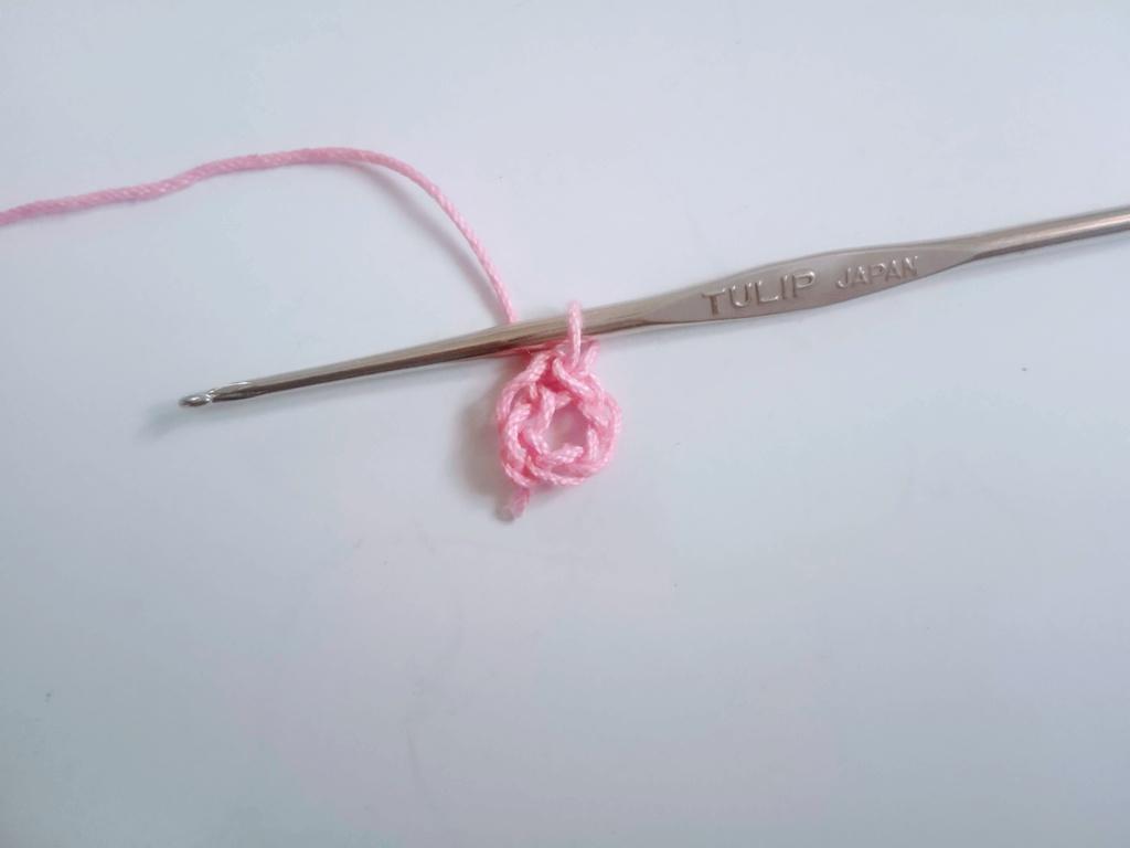 Easy Crochet Flower Design 1_Avya17092020 (2)