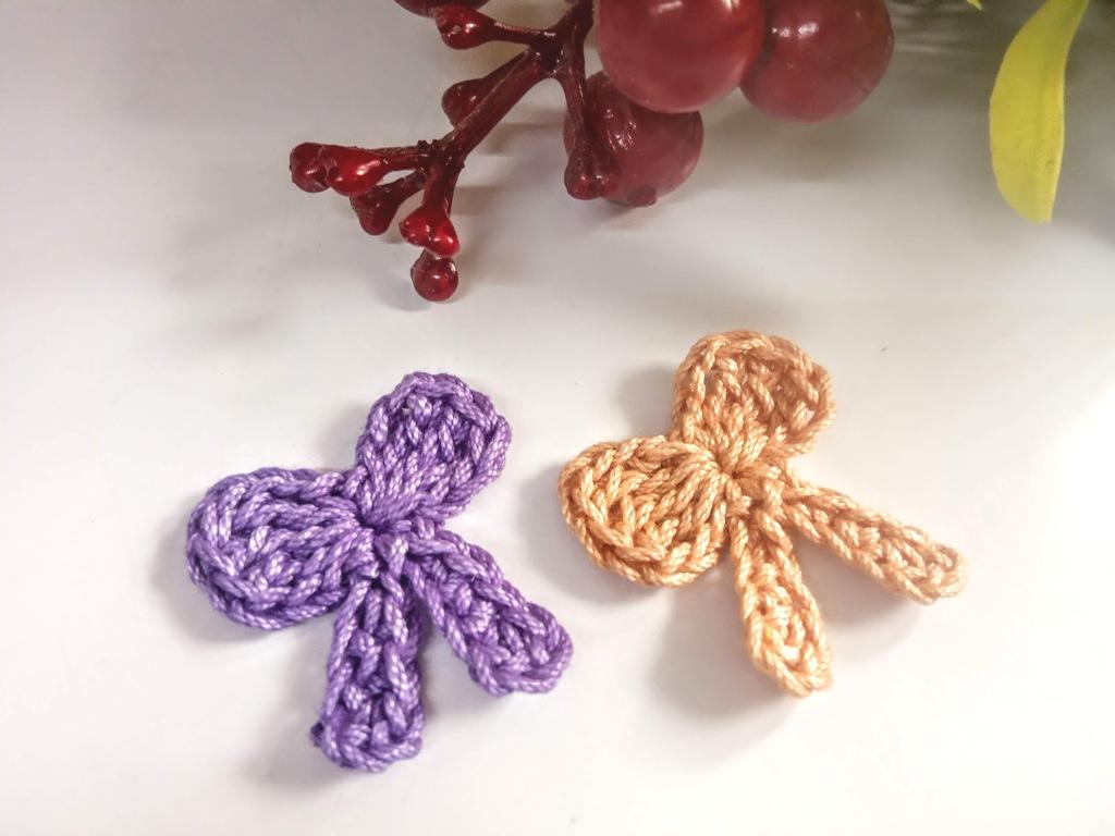Applique Bow – Free Crochet Tutorial by Avyastore.com