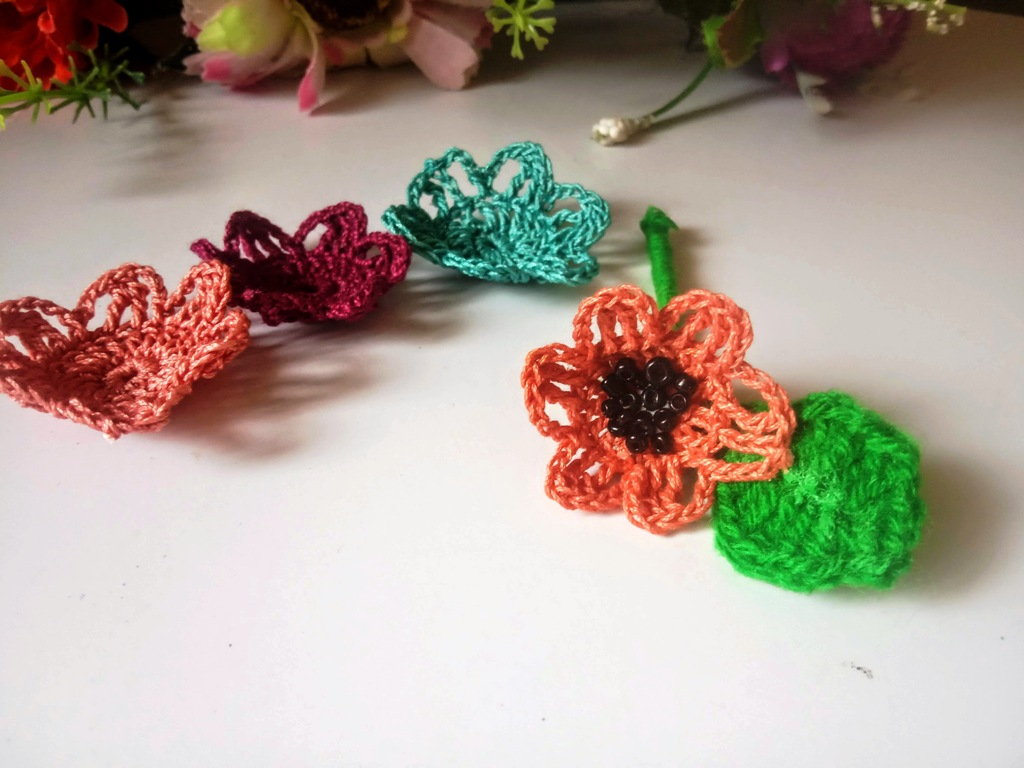 Flower Applique – Free Crochet Pattern & Instructions (10)