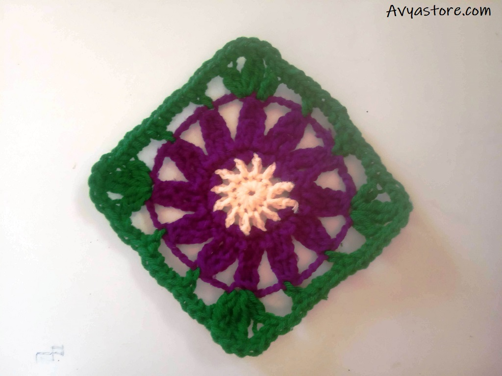 Cineraria Granny Square - Crochet Free Pattern
