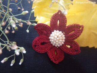 Crochet Flower Brooch -Free Pattern & Instructions