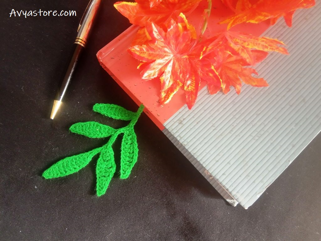 Crochet Leaves Bookmark – Free Pattern (13)