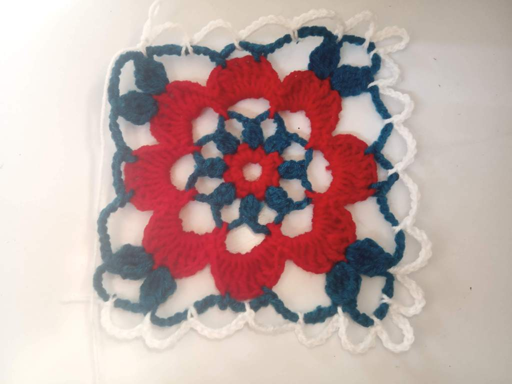 How to Crochet Tricolor Placemat – Free Pattern (18)