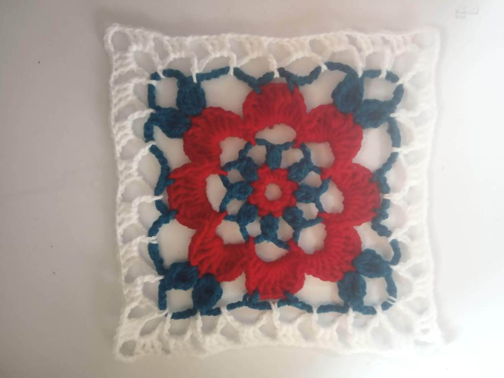 How to Crochet Tricolor Placemat – Free Pattern (22)