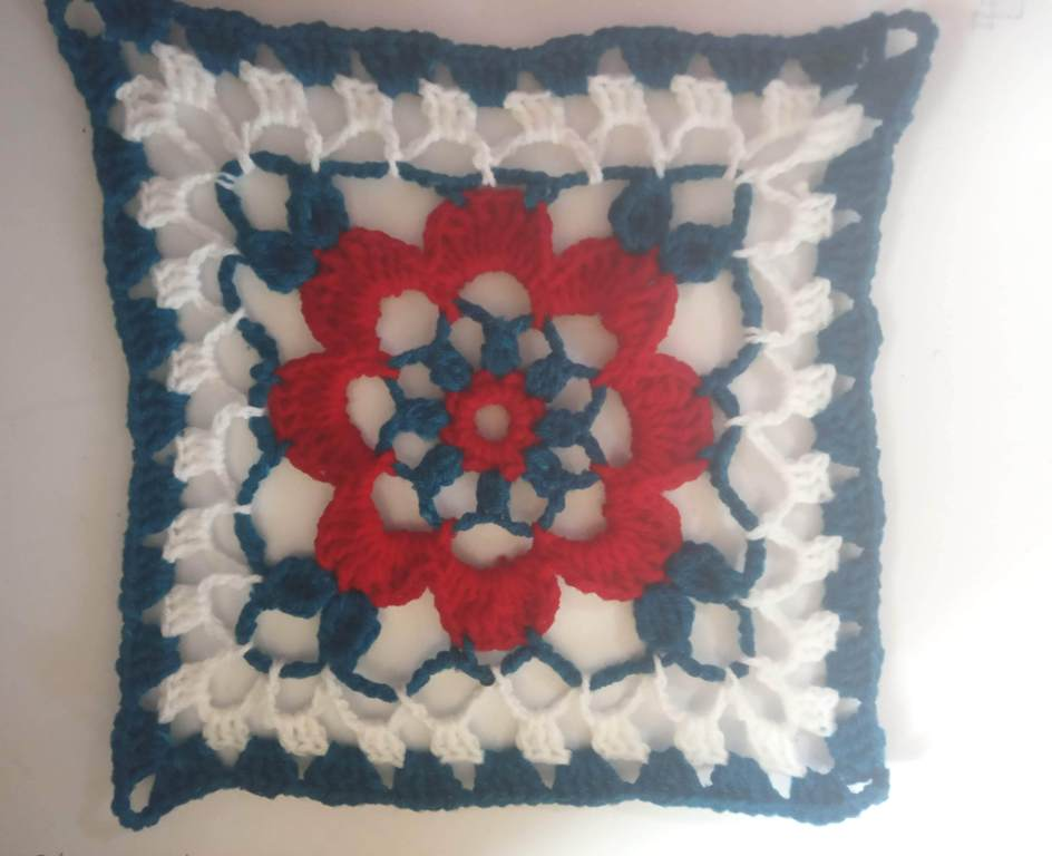 How to Crochet Tricolor Placemat – Free Pattern (26)