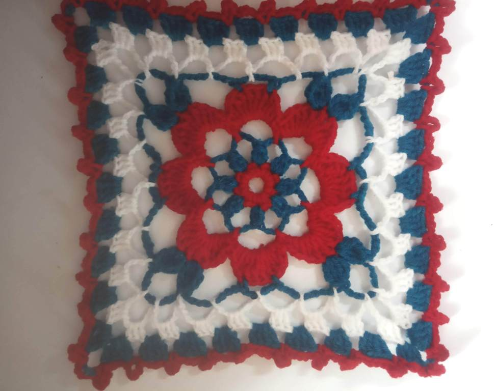 How to Crochet Tricolor Placemat – Free Pattern (30)