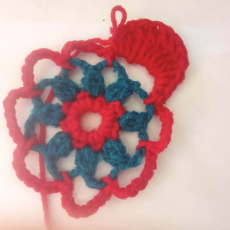 How to Crochet Tricolor Placemat – Free Pattern (9)