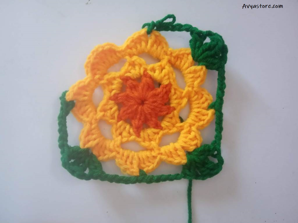 How to crochet a plum blossom granny square (16)