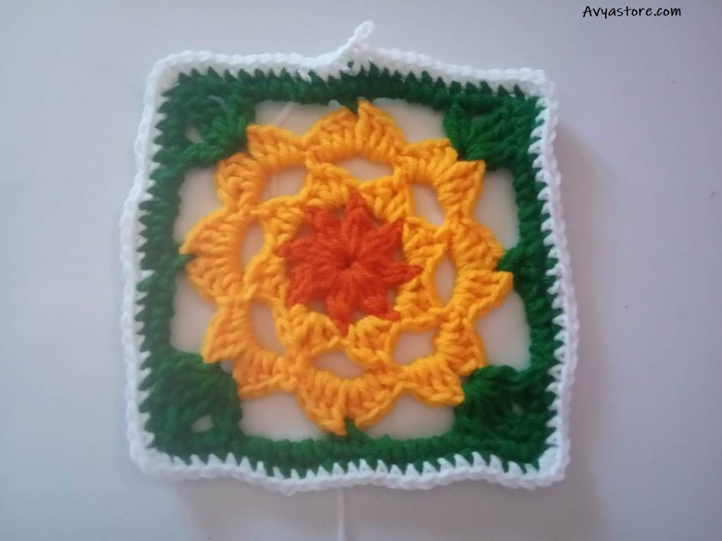 How to Crochet a Plum Blossom Granny Square - Free Pattern