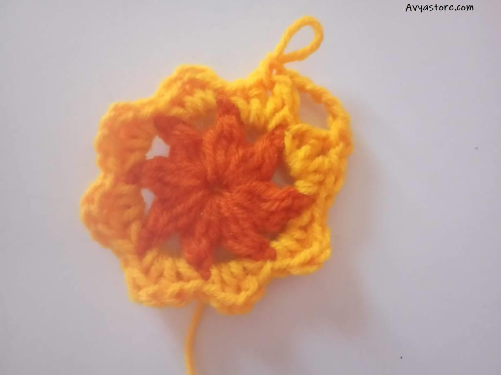 How to crochet a plum blossom granny square (9)