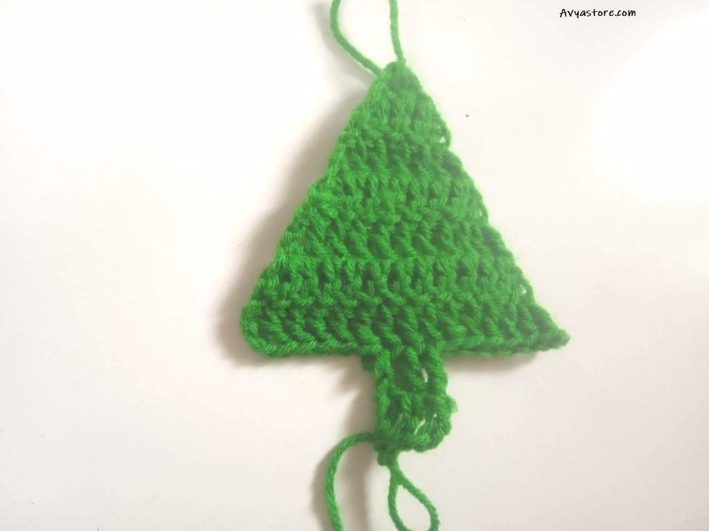 How to crochet an Applique Christmas Tree (21)