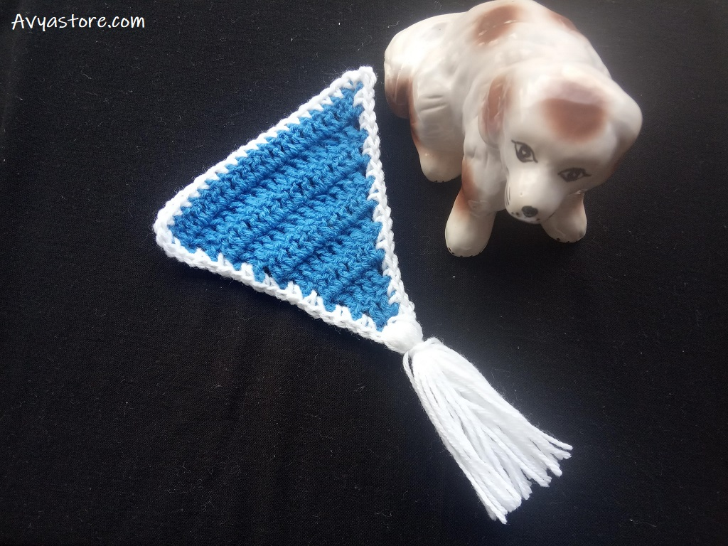 How to crochet a triangle banner (1)