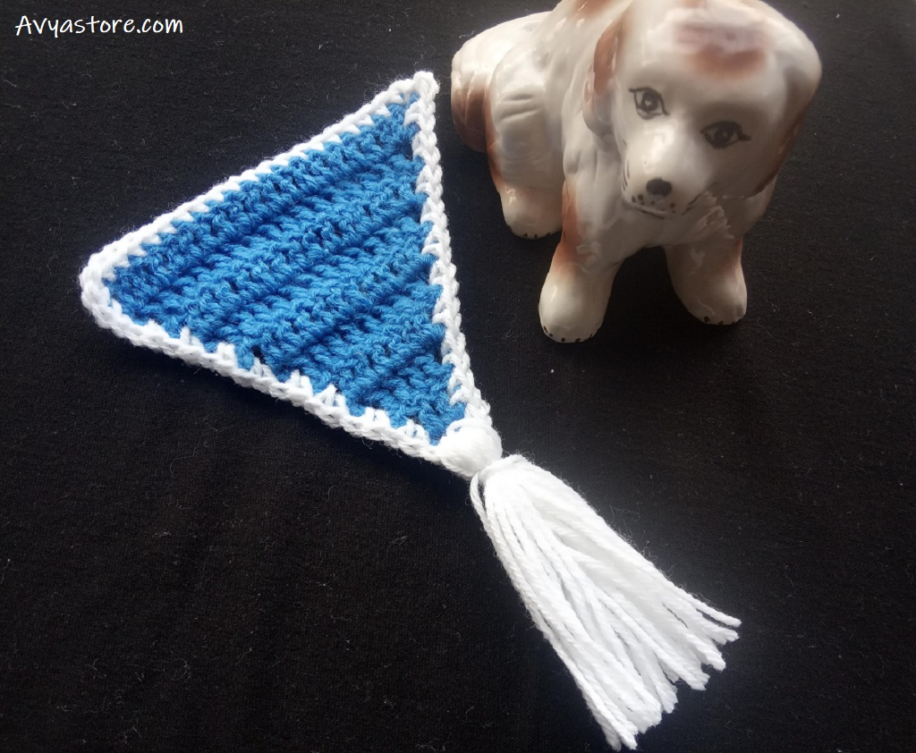 How to crochet a triangle banner (22)